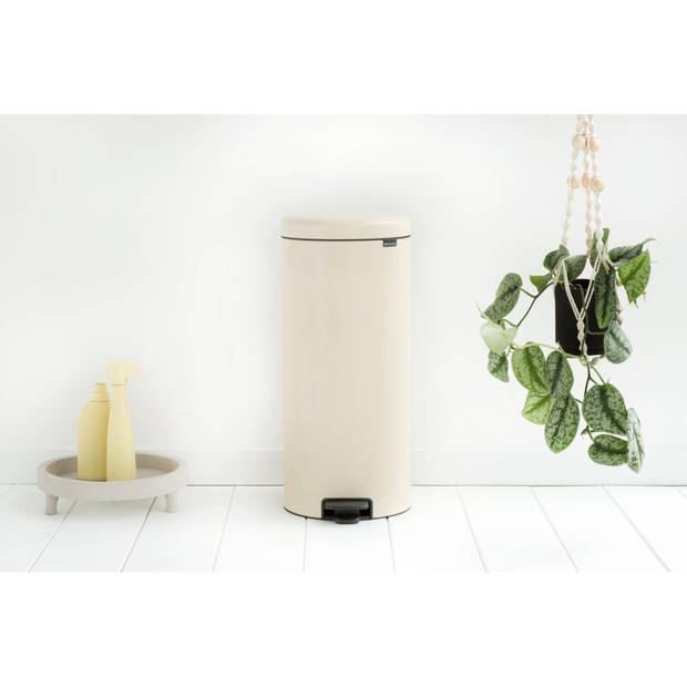 Brabantia newIcon pedaalemmer 30 liter met kunststof binnenemmer - Almond