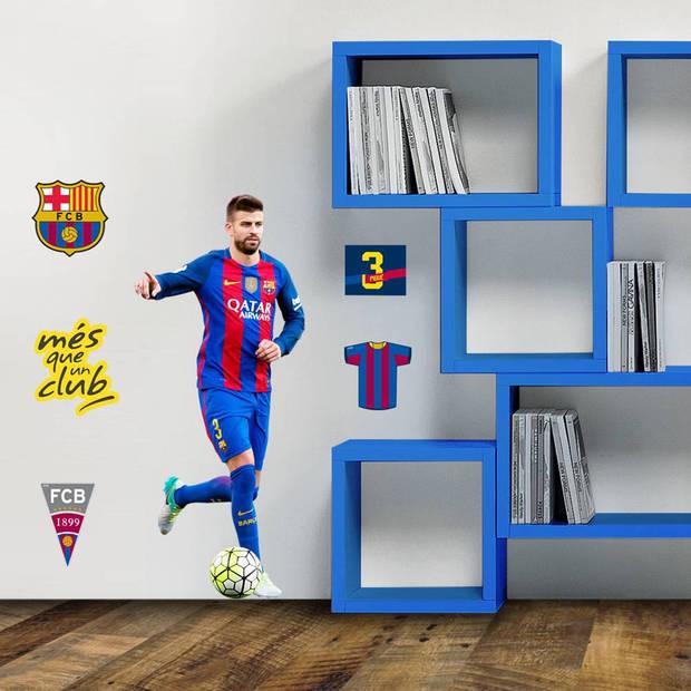 FC Barcelona Pique - Muursticker - 70 x 50 cm