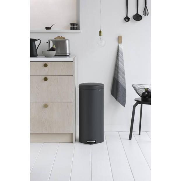 Brabantia newIcon pedaalemmer 30 liter met kunststof binnenemmer - Mineral Infinite Grey