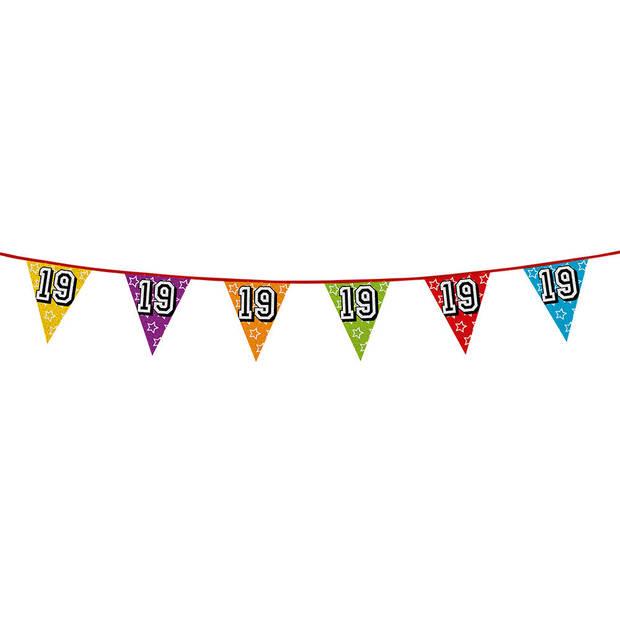 1x stuks vlaggenlijnen met glitters 19 jaar thema feestartikelen - Verjaardag versieringen - 8 meter - Plastic