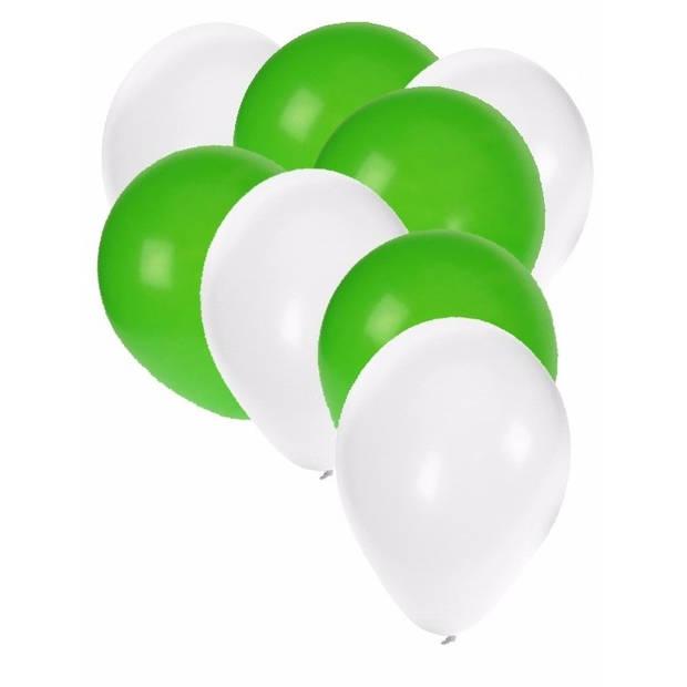 30x ballonnen wit en groen - 27 cm - witte / groene versiering