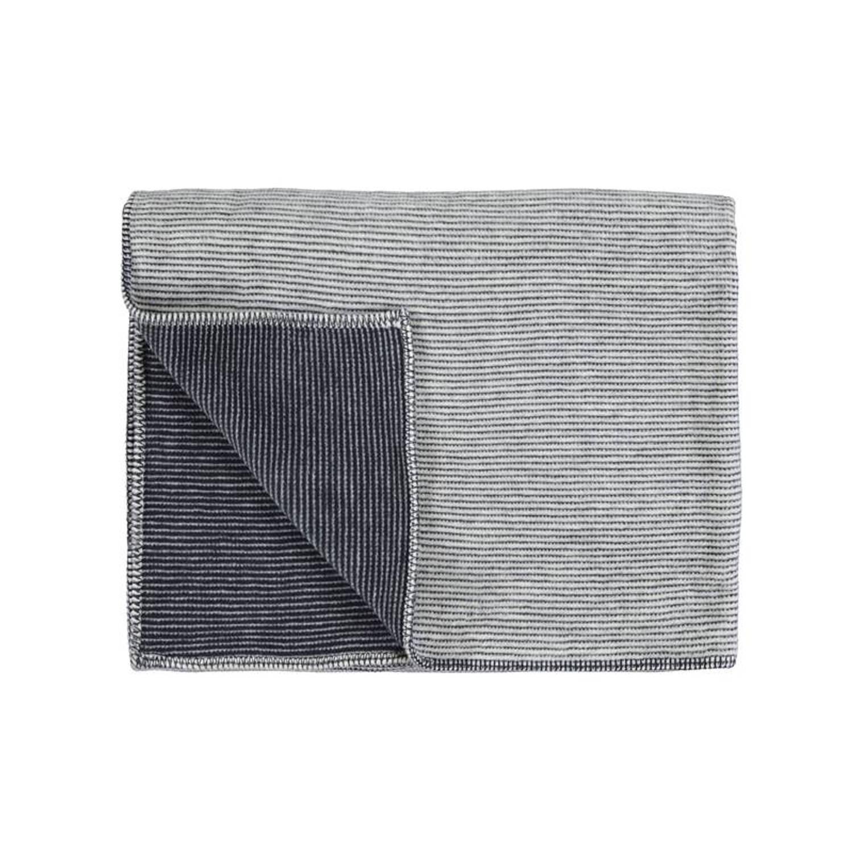 Marc O'Polo Marc O'Polo Zarr fleece plaid - 58% katoen - 35% acryl - 7% polyester - 150x200 cm - Navy