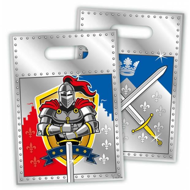 8x stuks plastic ridder uitdeelzakjes voor een verjaardagsfeestje - Cadeauzakjes/Snoepzakjes