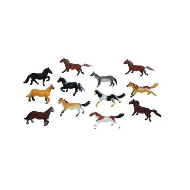 Setje van 15x stuks plastic paardjes van 6 cm - Speelfigurenset
