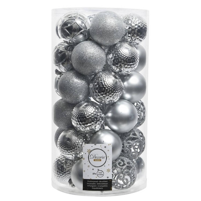 Zilveren kerstversiering kerstballenset kunststof 6 cm - 36 stuks - kerstbal