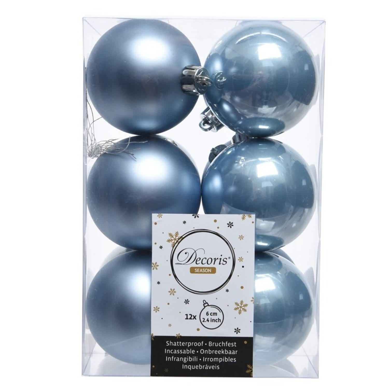 Onbreekbare ijsblauwe kerstballen 6cm 24 stuks kerstversiering