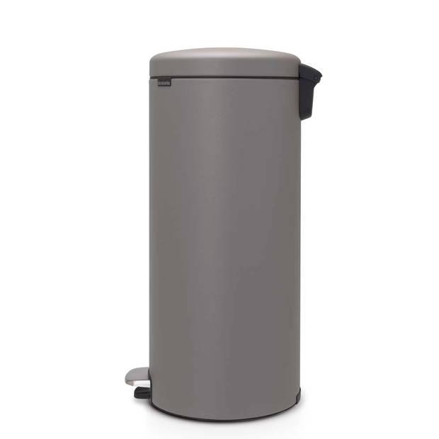 Brabantia newIcon pedaalemmer 30 liter met kunststof binnenemmer - Mineral Concrete Grey