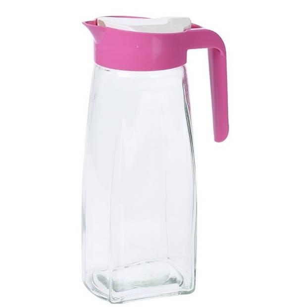 Glazen schenkkan met roze handvat 1,5 liter - 1500 ml - Schenkkannen/limonadekannen/waterkannen/sapkannen van glas