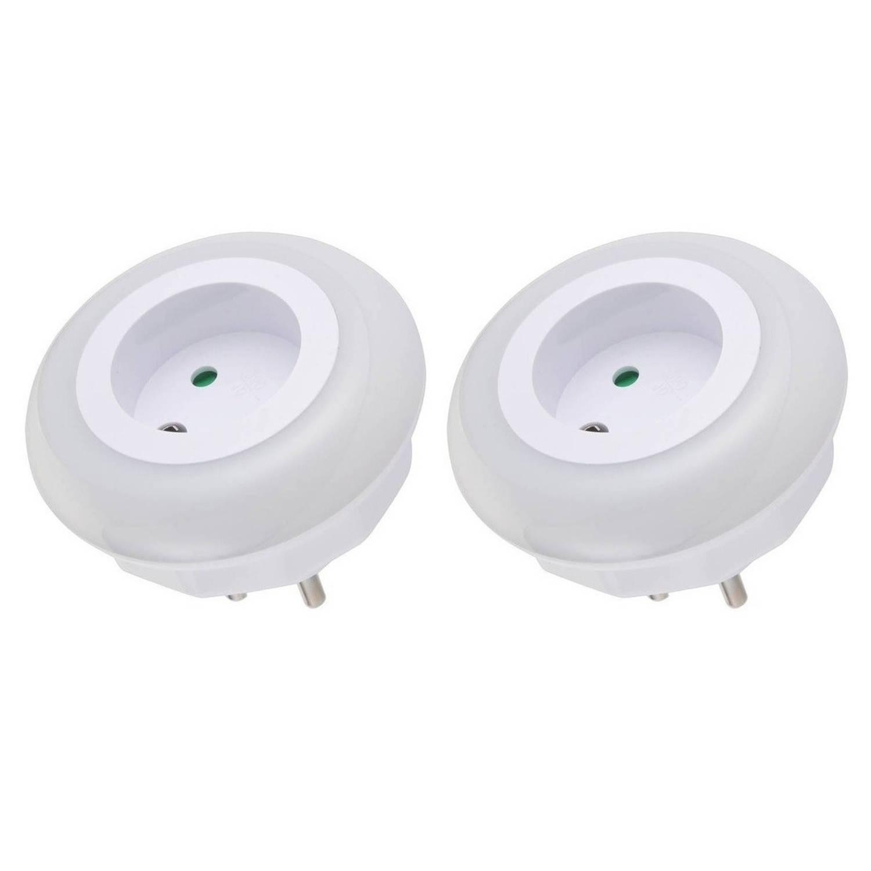 2x Stuks stopcontact nachtlampjes met LED sensor nachtverlichting dag-nacht functie