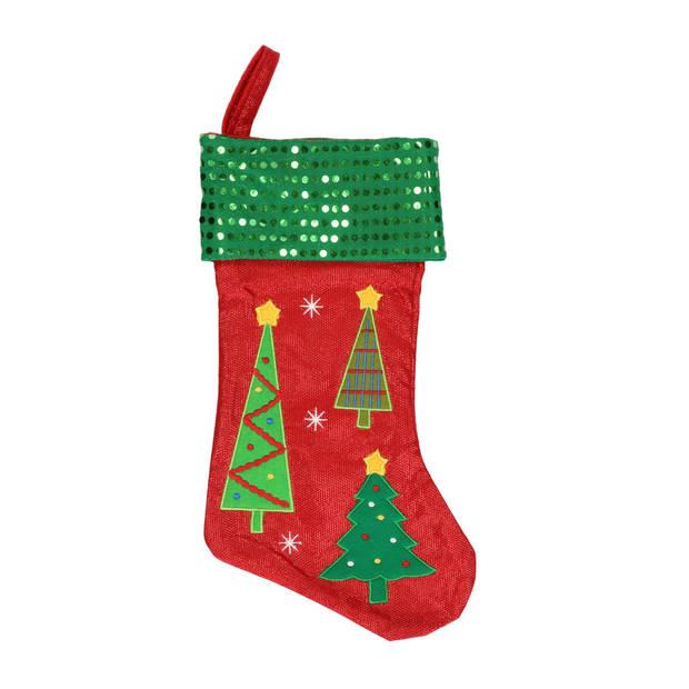 Rood/groene kerstsokken met kerstbomen print 45 cm - Kerstversiering/kerstdecoratie