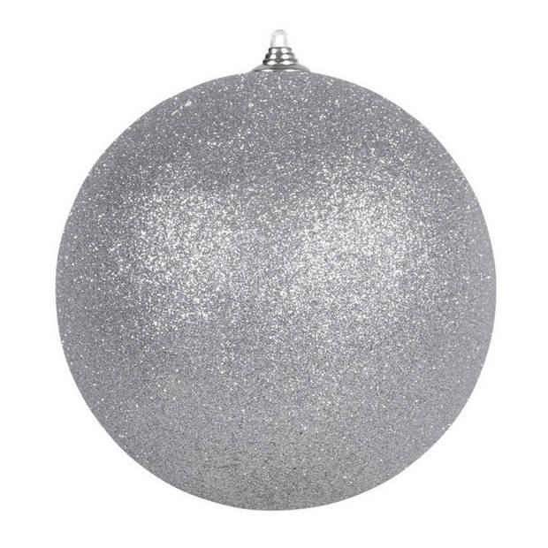 2x Zilveren grote decoratie glitter kerstballen 25 cm - hangdecoratie / boomversiering glitter kerstballen