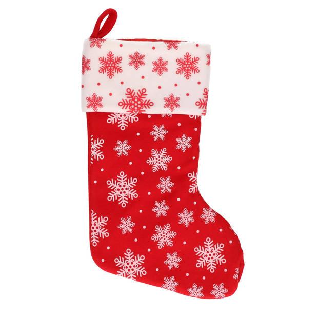 1x Rood/witte kerstsokken met sneeuwvlokken print 40 cm - Kerstversiering/kerstdecoratie sokken