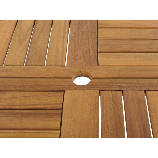 Beliani TOLVE Tuintafel Acaciahout 150 x 150 cm
