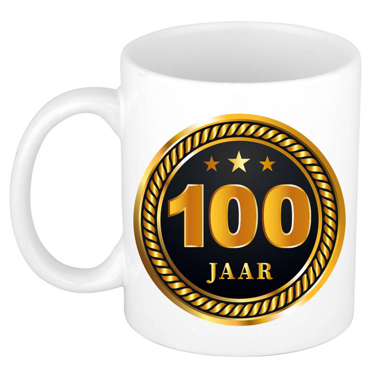 100 Jaar Jubileum/ Verjaardag Mok Medaille/ Embleem Zwart Goud - Cadeau Beker Verjaardag / Jubileum