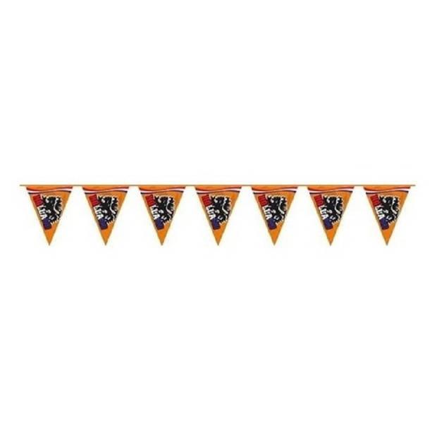 Set van 3x stuks oranje feestartikelen vlaggenlijnen / slinger met leeuw van 6 meter - oranje versiering